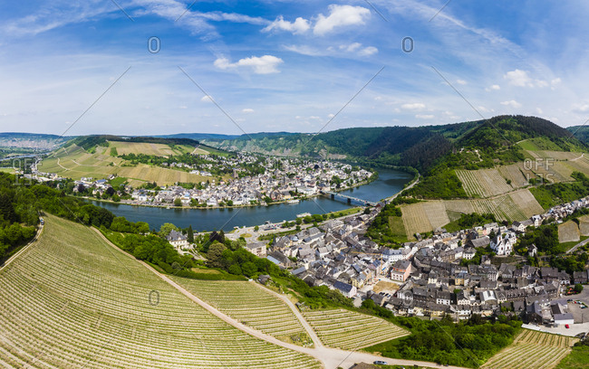 Germany- Rhineland-Palatinate- aerial view of Traben-Trarbach with Moselle river- vine yards