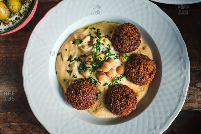 Hummus with chickpeas and falafels