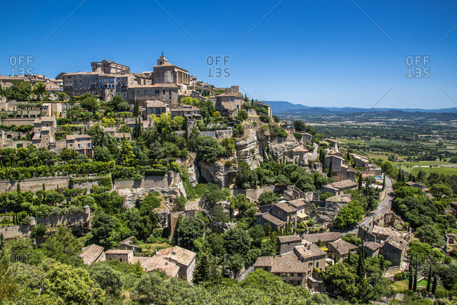 France, Vaucluse, perched village of Gordes (Most Beautiful Village of France)