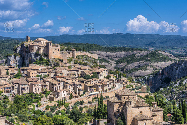 Spain, province of Huesca, autonomous community of Aragon, Sierra y Ca�ones de Guara natural park, Alquezar with a view on the collegiate castle of Saint Mary (16th century) (Most Beautiful Village in Spain) (Historical urban center UNESCO World Heritage)