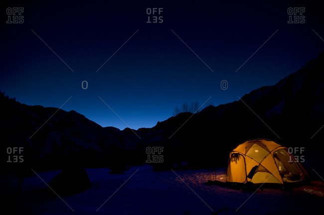 A campsite at night in the California backcountry.