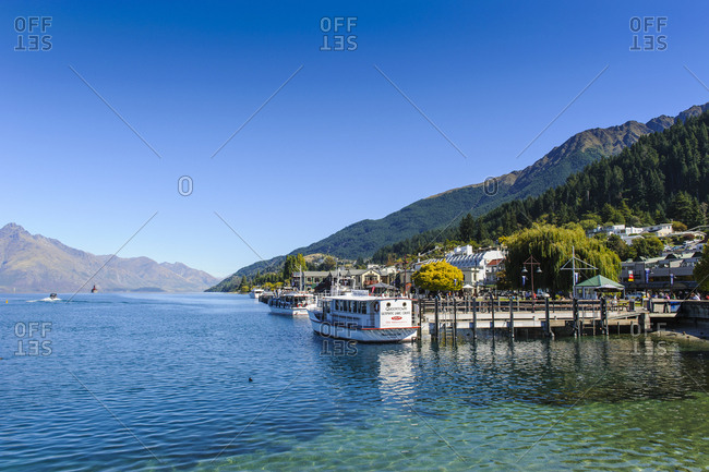 March 20, 2011: Shore of Lake Wakaipu- Queenstown- South Island- New Zealand