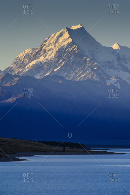 Lake Pukaki with Mount Cook in the background in late afternoon light- Mount Cook National Park- South Island- New Zealand