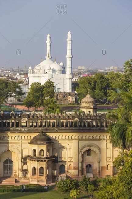 India, Uttar Pradesh, Lucknow, Bara Imambara complex, Bada Imambara (Main Building), and Mosque at the Tomb of Shah peer Muhammid