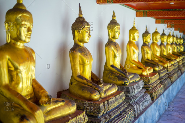 Golden Buddha statues, Wat Pho (Temple of the Reclining Buddha), Bangkok, Thailand