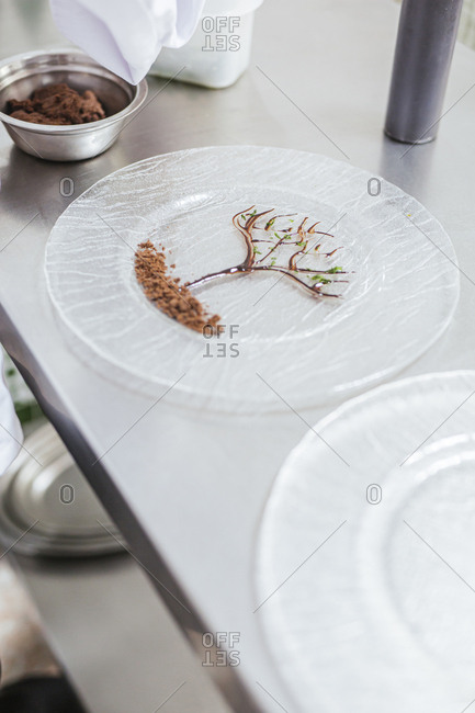 Decorated glass plate