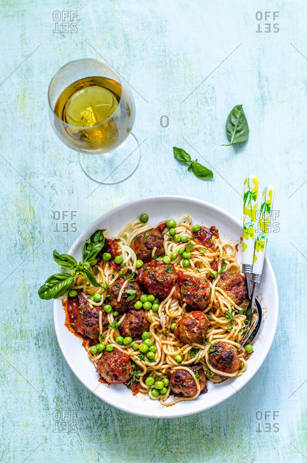 Italian spaghetti with meatballs and white wine