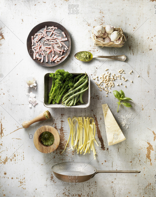 Ingredients for making tagliatelle with broccoli and ham