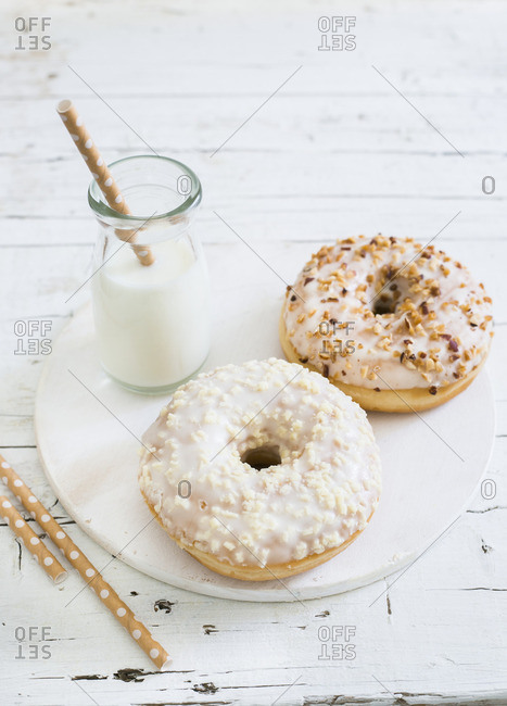 Doughnuts with milk