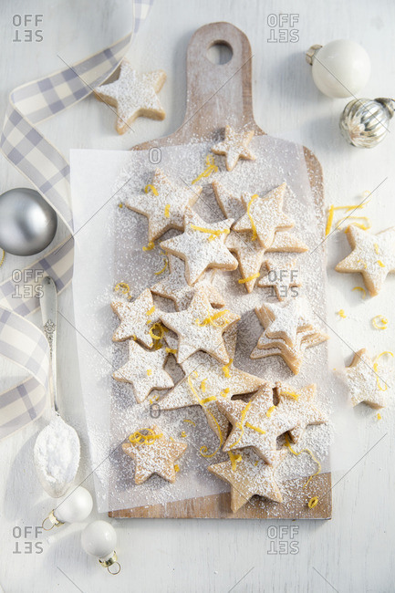 Lemon shortbread stars