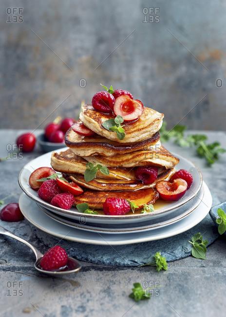 Ricotta pancakes with honey and fresh berries