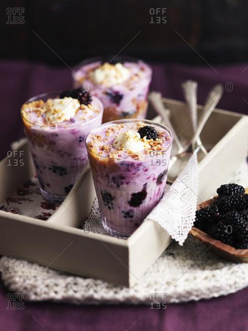 Cranachan with blackberries, cream and granola