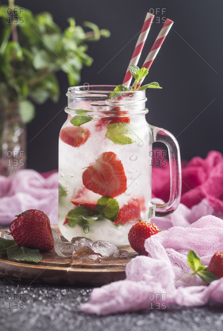 Summer strawberry Mojito cocktail - Offset