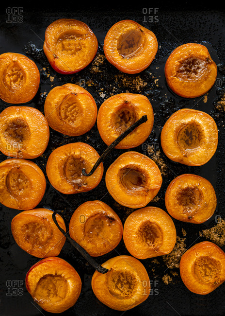 Baked brown sugar apricots
