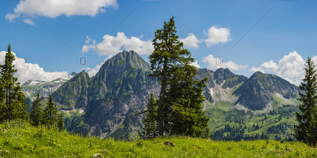Germany- Bavaria- Allgaeu Alps- Panoramic view from Seealpsee to Hoefats