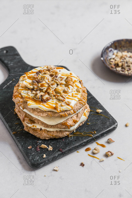 Caramel cookie cake with nuts