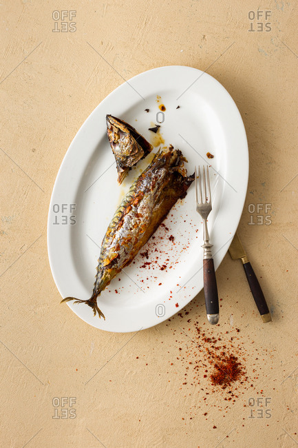 Freshly cooked mackerel in a plate