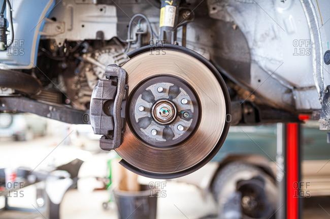 Car braking system, brake disc