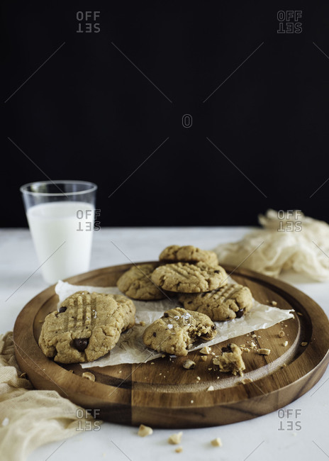 Peanut butter cookies and milk ready for eating