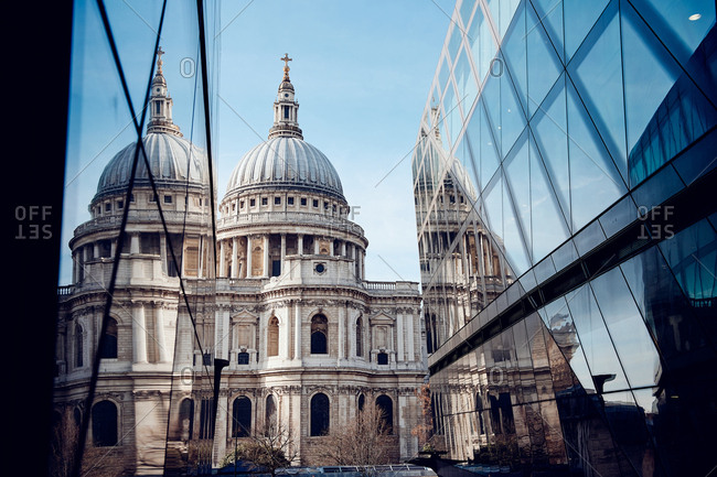 Modern buildings near St Pauls Cathedral