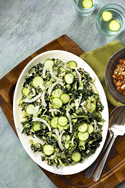 Kale veggie salad with roasted leek pesto