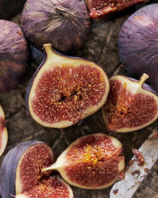 Close up of ripe cut figs in a baking dish