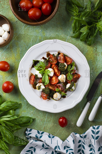 Basil, tomato and mozzarella salad