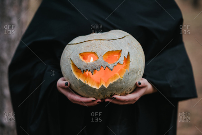 Curved halloween pumpkin shining