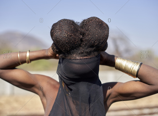 Ndengelengo woman with her characteristic hairstyle- Garganta- Angola