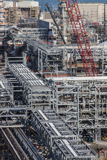 Construction in a refinery