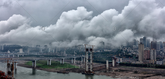 Chongqing light rail line 10 Yangtze river bridge construction