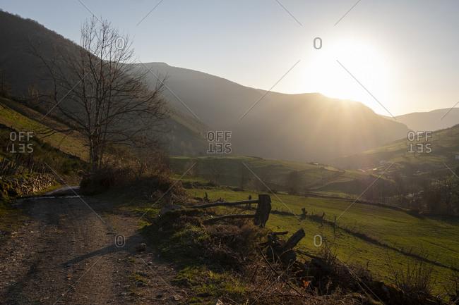 Dirt road leading to Xinestosu village, Asturias, Spain