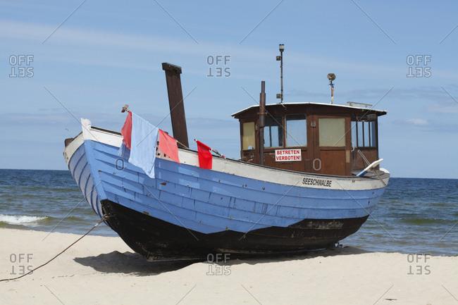 January 1, 1970: Fischerboot am Strand  in  Bansin, Bansin, Insel Usedom, Mecklenburg-Vorpommern, Deutschland, Europa