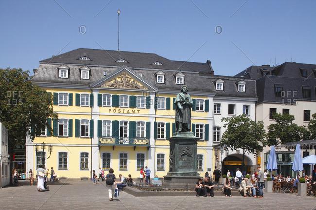 January 1, 1970: Ehemaliges Frstenbergschisches Palais mit Beethoven-Denkmal, Alte Post, Bonn, Nordrhein-Westfalen, Deutschland, Europa