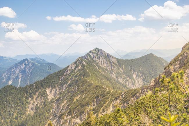Blick zum Herzogstand ber Berggipfel der Alpen