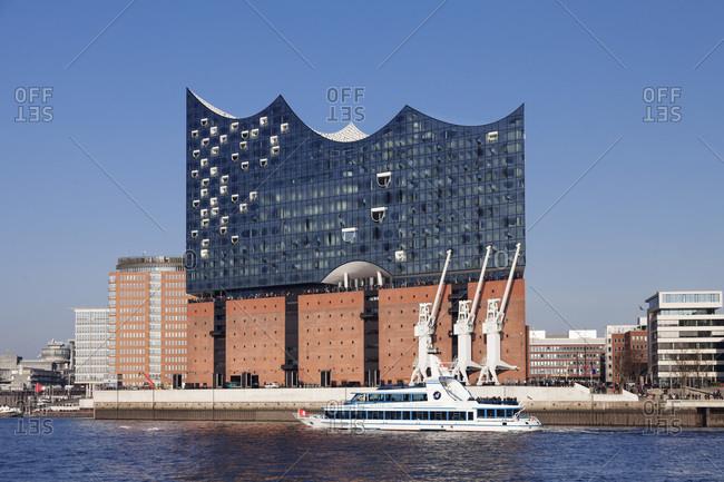 January 1, 1970: Elbphilharmonie, HafenCity, Hafenrundfahrtsschiff, Hamburg, Deutschland