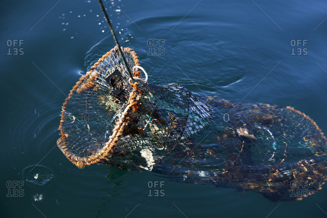 Pulling fishing trap