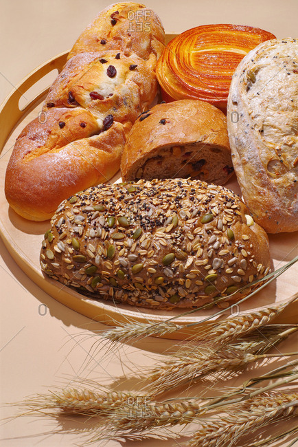 Wheat bread and rolls - Offset