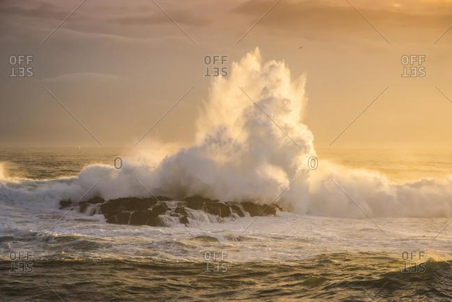 Surf, Atlantic Coast, Malariff, Snaefellsness Peninsula, Vesturland, Iceland, Europe