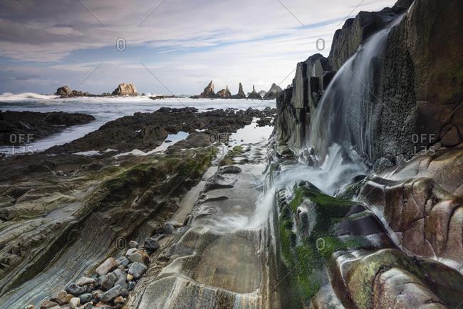 Rocky coast, Playa de la Gueirua, Playa de Gairua, Bay of Biscay, Asturias, Spain, Europe
