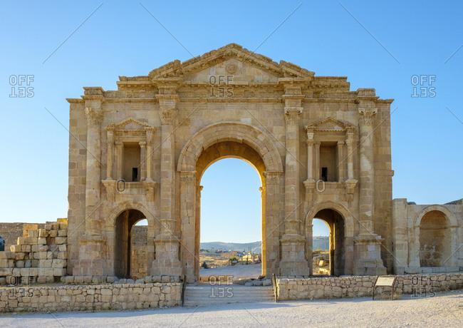 Arch of hadrian in ancient roman city of gerasa, jerash, jordan