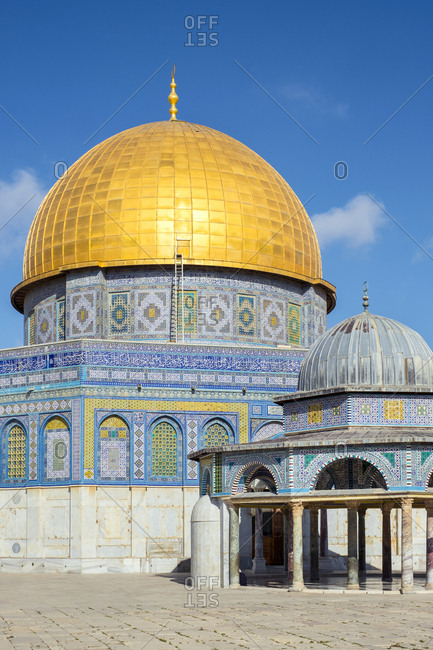 Dome of the rock and dome of the chain on temple mount, jerusalem