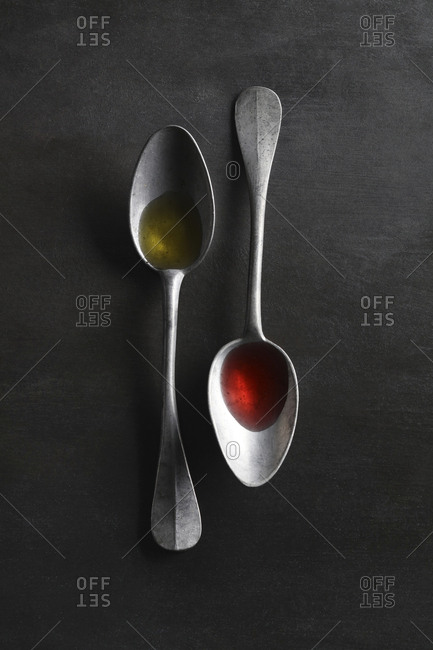 Oil and vinegar spoons
