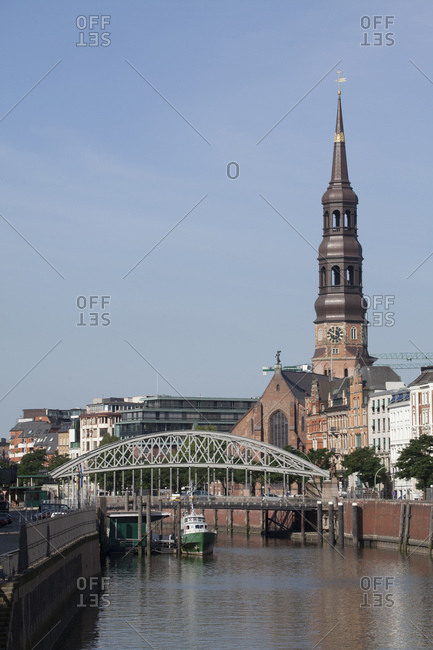 August 6, 2014: st. catherine's church, zollkanal (canal), hamburg, germany