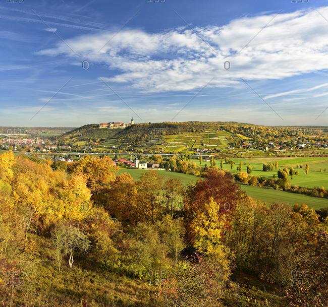 Germany, saxony-anhalt, burgenlandkreis (district), freyburg, looking into unstruttal with freyburg, neuenburg castle and vineyards, autumn
