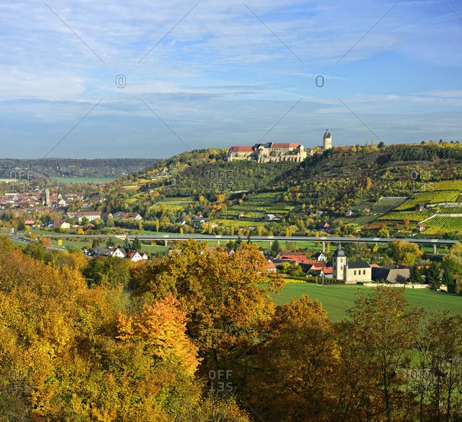 Germany, saxony-anhalt, burgenlandkreis (district), freyburg, view to freyburg with neuenburg castle, municipal church st marien and weinbergen, autumn