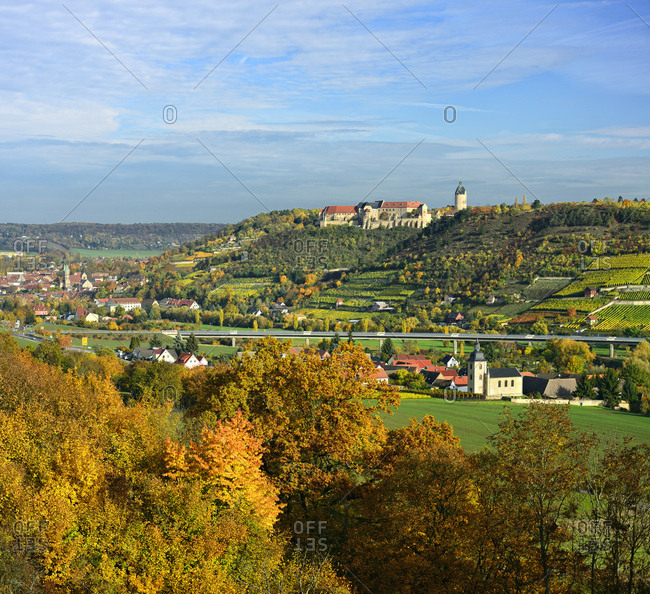 Germany, saxony-anhalt, burgenlandkreis (district), freyburg, view to freyburg with neuenburg castle, municipal church st marien and weinbergen, autumn