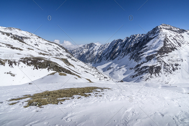 Austria, tyrol, the stubai alps, st. sigmund, sellrain, view down to the pforzheimer hut in the sellrain