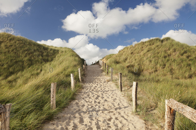 Way over a dune to the west beach, sylt, north frisia, schleswig holstein, germany