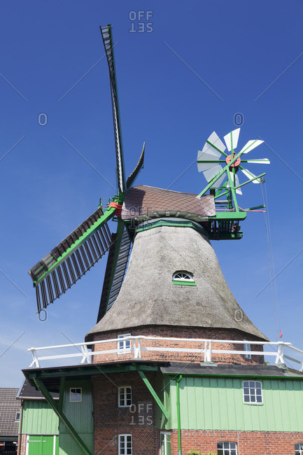 Windmill 'god with us', eddelak, zwickstellholl�nder with compass rose, ditmarsh, schleswig holstein, germany